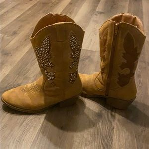 Justice boots size 7